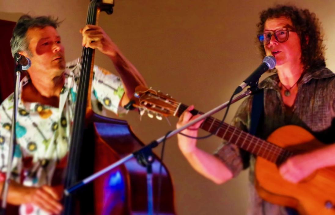Steve Harrop and Bridget Ellis play at the Oamaru Early Settlers' Hall